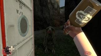 Un Demoman un peu provocateur avec sa bouteille de gnôle écossaise devant un Vortigaunt